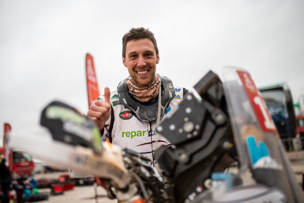 Repar´stores soutient le pilote moto Romain LELOUP au Rallye Dakar !